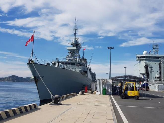 Tàu hải quân Canada cập Cảng quốc tế Cam Ranh - Ảnh 4.