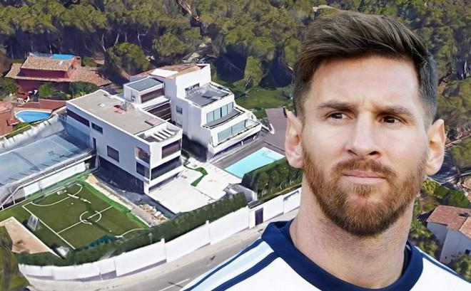 """Lionel Messi dùng """"lực lượng đặc biệt"""" cộm cán và máu lạnh trị giang hồ hiểm ác"""
