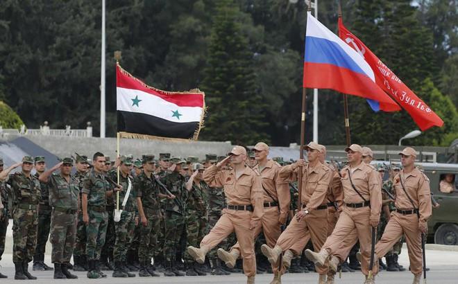 """Sự """"biến mất"""" bí ẩn của Iran và món gân gà dai nhách người Nga đang cố nuốt ở Syria"""