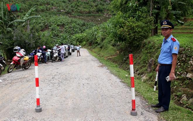Ảnh: Sạt trượt đường tỉnh lộ, đe dọa cô lập 8 xã biên giới Lai Châu - Ảnh 12.