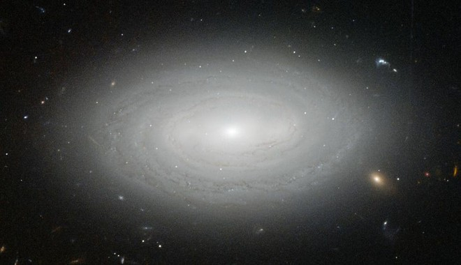 Cách xa tới hàng trăm triệu năm ánh sáng: Đây là thiên hà cô đơn nhất trong vũ trụ - Ảnh 8.