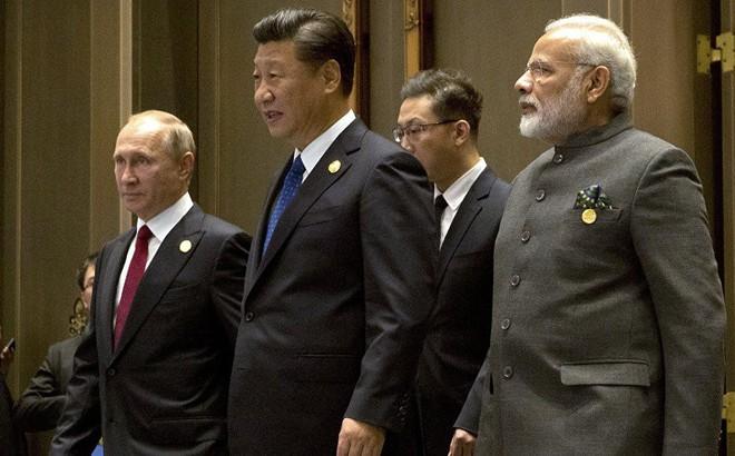 """Chọc giận Ấn Độ không đúng lúc, TT Trump tiếp sức Nga-Trung """"hổ mọc thêm cánh""""?"""