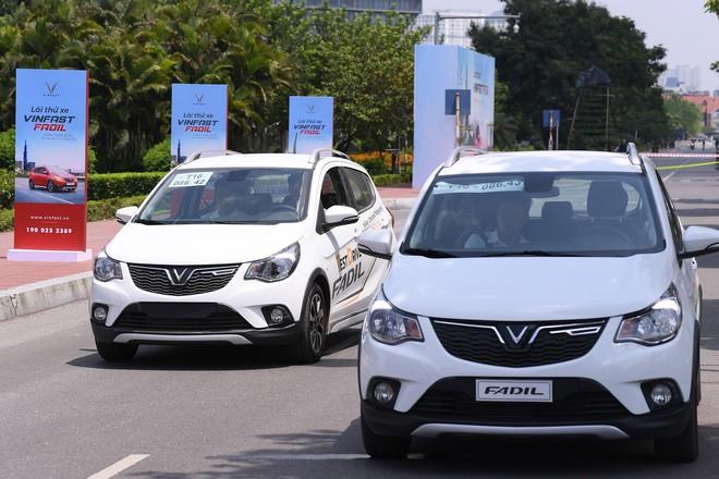Khách Việt nói gì khi lần đầu tiên lái thử xe VinFast Fadil? - Ảnh 8.