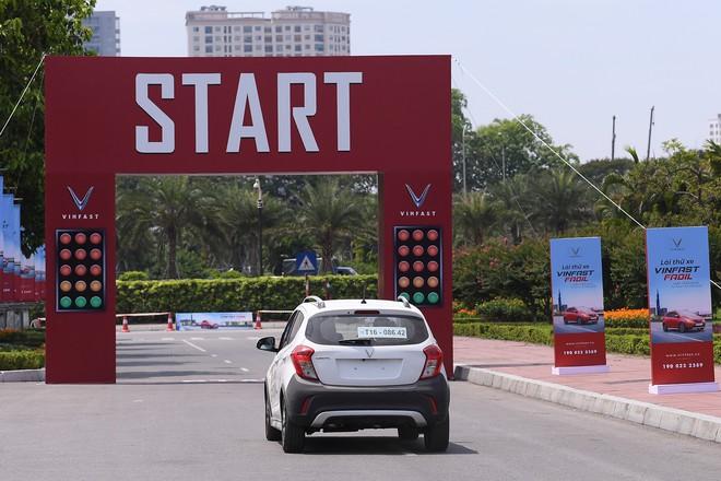 Khách Việt nói gì khi lần đầu tiên lái thử xe VinFast Fadil? - Ảnh 9.