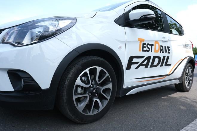 Khách Việt nói gì khi lần đầu tiên lái thử xe VinFast Fadil? - Ảnh 12.