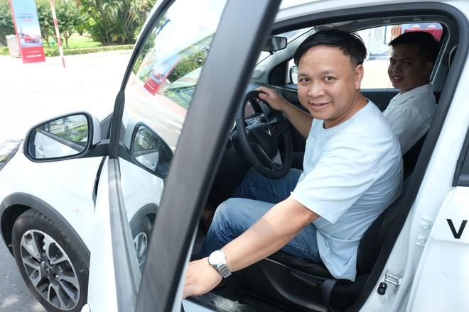 Khách Việt nói gì khi lần đầu tiên lái thử xe VinFast Fadil? - Ảnh 5.