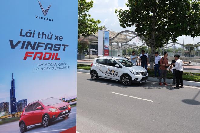 Khách Việt nói gì khi lần đầu tiên lái thử xe VinFast Fadil? - Ảnh 10.