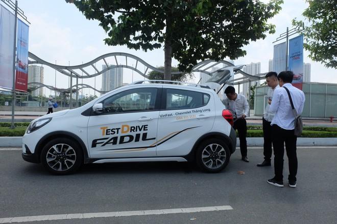 Khách Việt nói gì khi lần đầu tiên lái thử xe VinFast Fadil? - Ảnh 11.