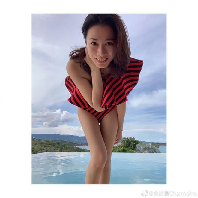 Khoe ảnh bikini tuổi 44, Xa Thi Mạn khiến fan xuýt xoa như gái đôi mươi - Ảnh 1.