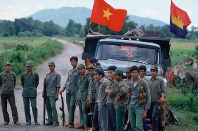 Lính tình nguyện VN ở Campuchia: Ăn vịt... cả tiểu đoàn bị phục kích, thiệt hại không nhẹ - Ảnh 4.