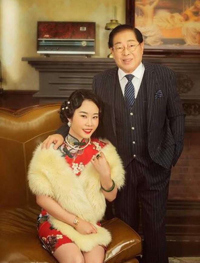 Đám cưới rình rang của nữ ca sĩ Malaysia đình đám một thời, cô dâu bụng to vượt mặt nhưng tuổi tác của chú rể mới gây ngỡ ngàng - Ảnh 7.