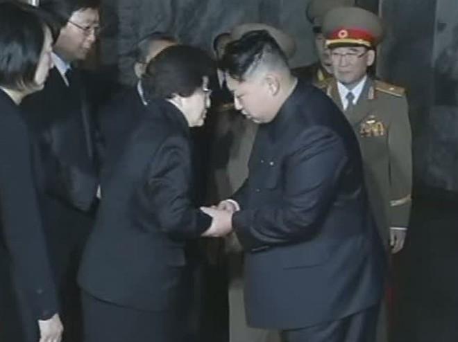 Lý do khiến em ông Kim Jong-un bất ngờ đến khu phi quân sự liên Triều - Ảnh 1.
