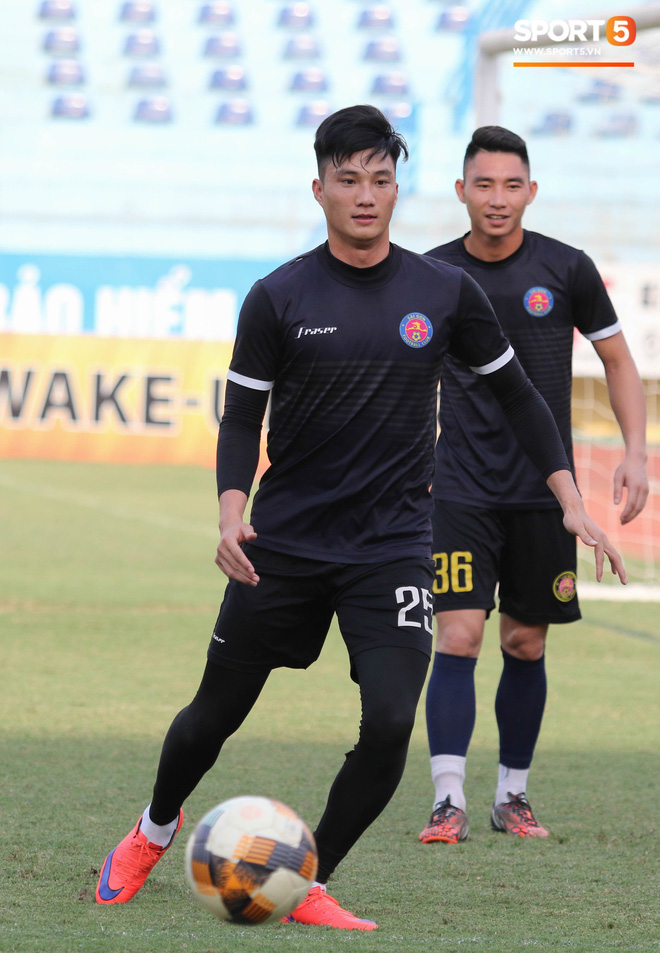 Tiến bộ thần tốc, cựu thủ môn điển trai của U23 Việt Nam vẫn khiêm tốn trước cuộc đọ sức với Hà Nội FC - Ảnh 1.