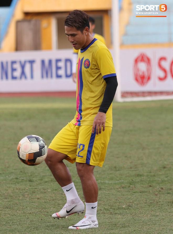 Tiến bộ thần tốc, cựu thủ môn điển trai của U23 Việt Nam vẫn khiêm tốn trước cuộc đọ sức với Hà Nội FC - Ảnh 11.