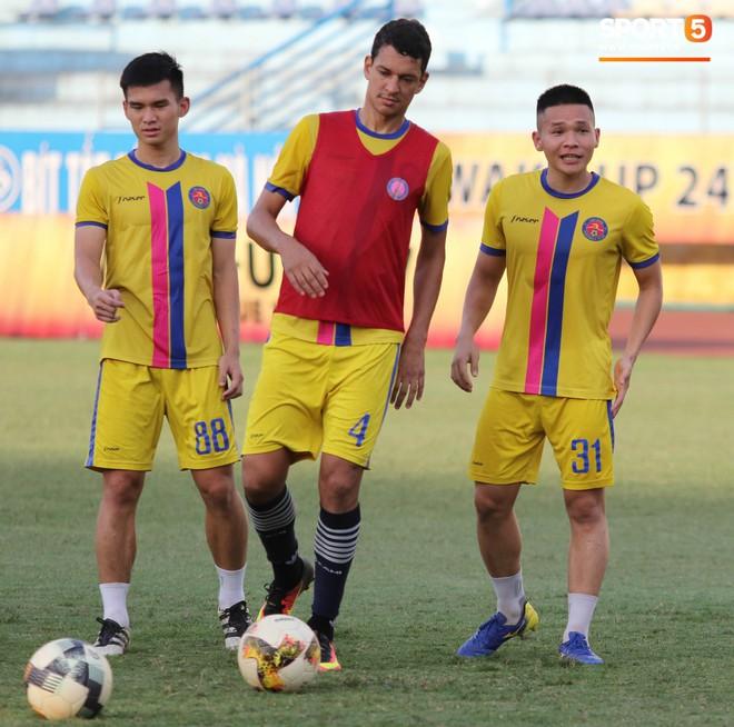 Tiến bộ thần tốc, cựu thủ môn điển trai của U23 Việt Nam vẫn khiêm tốn trước cuộc đọ sức với Hà Nội FC - Ảnh 16.