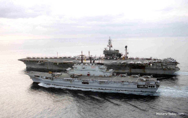 Khám phá sức mạnh hàng không mẫu hạm nhỏ nhất châu Âu - Ảnh 4.
