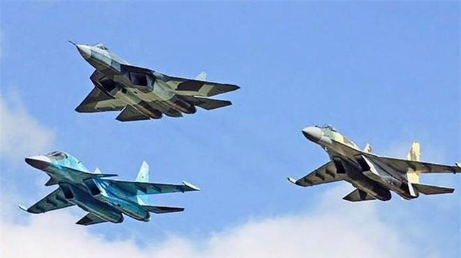 Sức mạnh tiêm kích Su-57 được biên chế cho quân đội Nga - Ảnh 3.