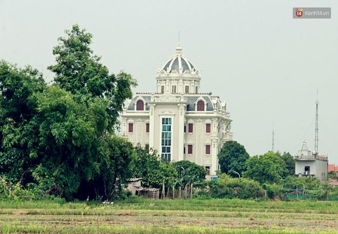 Về làng tỷ phú Nam Định chiêm ngưỡng những tòa lâu đài nguy nga tráng lệ theo phong cách Châu Âu - Ảnh 5.