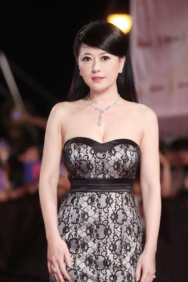 Đời lận đận của Mỹ nhân đẹp nhất Đài Loan Qua Vỹ Như: Hai lần làm dâu hào môn vẫn chẳng có cho mình một người đàn ông bên cạnh - Ảnh 8.