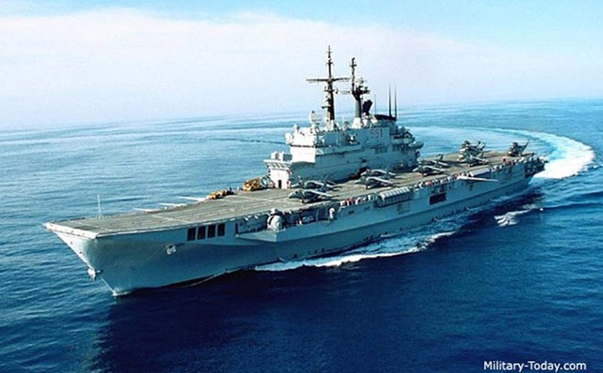 Khám phá sức mạnh hàng không mẫu hạm nhỏ nhất châu Âu