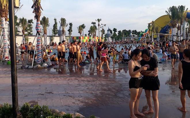 """Bé trai đuối nước tại công viên nước """"đẹp nhất Hà Nội"""""""