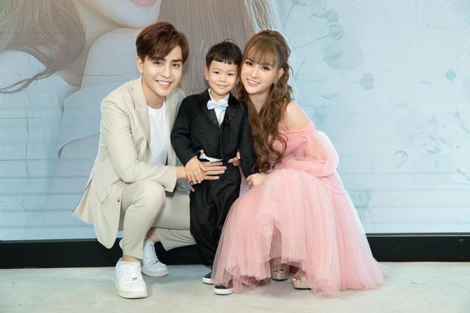 Chân dung bạn trai kém 10 tuổi khiến ca sĩ Thu Thủy mở lòng, gọi là chồng sau cú sốc hôn nhân - Ảnh 2.