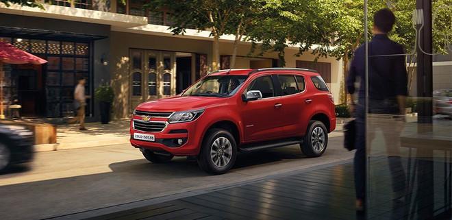 Những mẫu ô tô đang được giảm giá hơn trăm triệu tại Việt Nam - Ảnh 3.