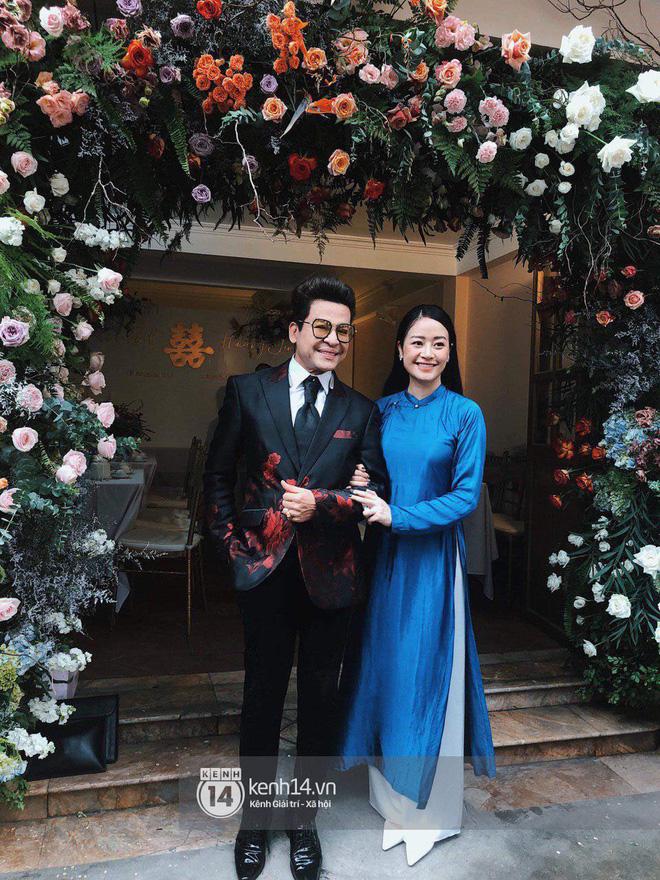 Chồng sắp cưới xúc động, dành nụ hôn tình cảm cho MC Phí Linh trong đám hỏi - Ảnh 2.