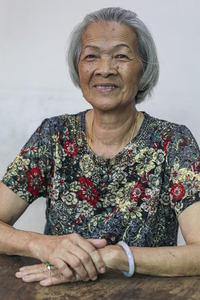 Hủ tục sắp đặt hôn nhân ở Hong Kong: Cô dâu khóc 3 ngày 3 đêm trước khi kết hôn, cả đời hát bài ca oán trách người mai mối - Ảnh 5.