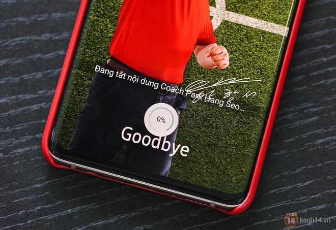 Ngắm nhìn màu bạc rất lạ trên Galaxy S10+ phiên bản Park Hang Seo - Ảnh 10.