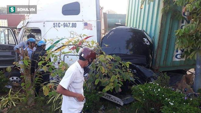 3 người tử vong trong chiếc ô tô 4 chỗ bẹp dúm ở Tây Ninh - Ảnh 2.