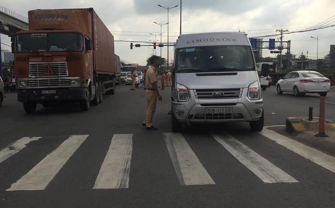 Chưa đầy 24 giờ, lại xảy ra tai nạn chết người trên xa lộ Hà Nội ở Sài Gòn
