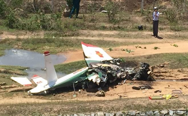 Máy bay rơi ở Khánh Hòa: Hai phi công hy sinh gồm 1 giáo viên bay và 1 học viên - Ảnh 2.