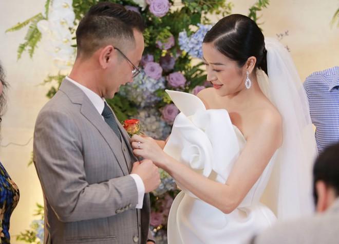 Biên tập viên VTV tiết lộ chuyện tình với MC Phí Linh trong lễ cưới - Ảnh 3.