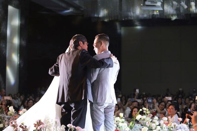 Biên tập viên VTV tiết lộ chuyện tình với MC Phí Linh trong lễ cưới - Ảnh 12.