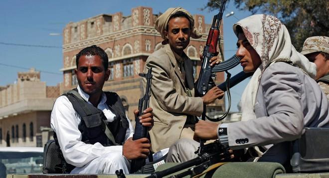 Được Mỹ bán 8,1 tỷ USD bom đạn: Saudi thề nhấn nút khai chiến Yemen lần 2? - Ảnh 1.