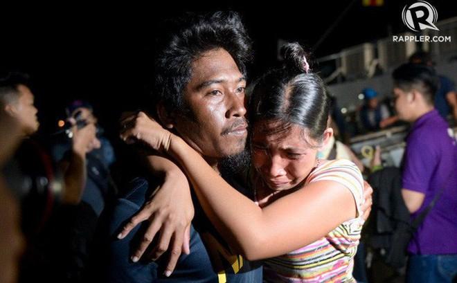Thuyền trưởng tàu cá Philippines bị đâm chìm: Tàu TQ còn nán lại xem tàu chúng tôi chìm hẳn rồi mới rời đi