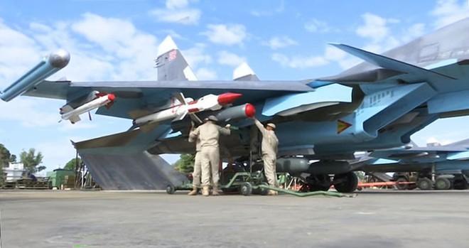 Kho đạn lớn của QĐ Syria nổ tung, thiệt hại nặng nề - Quân Thổ bị tấn công, khẩn cấp nhờ Nga ứng cứu - Ảnh 15.
