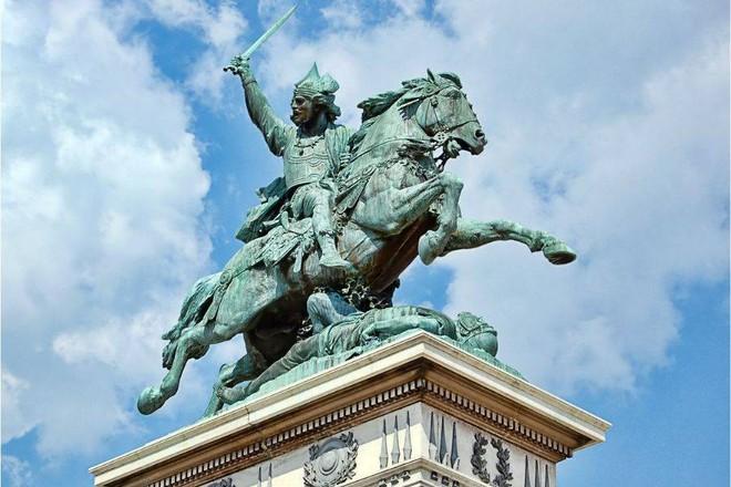 Chiến binh anh hùng của Pháp từng suýt đánh bại Caesar - Ảnh 1.
