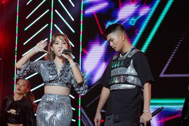 Khán giả thích thú khi Mỹ Tâm ngẫu hứng hát tiếng Hàn - Ảnh 8.