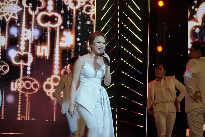 Khán giả thích thú khi Mỹ Tâm ngẫu hứng hát tiếng Hàn - Ảnh 2.