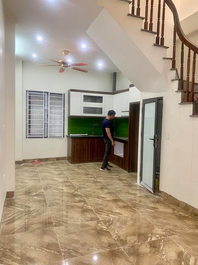 Với 160 triệu đồng, vợ chồng trẻ liều mình mua nhà 3 tầng Hà Nội khiến ai cũng sửng sốt và đây là trọn bộ bí quyết - Ảnh 9.