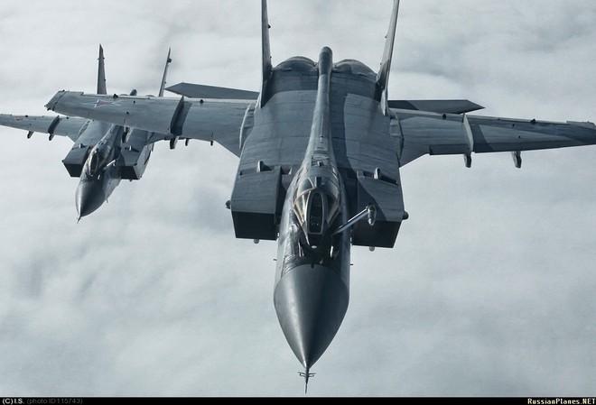 Nếu đeo bám tới cùng 110 máy bay Nga, Không quân Iran nay đã khác: Mỹ đừng hòng gây hấn! - Ảnh 2.