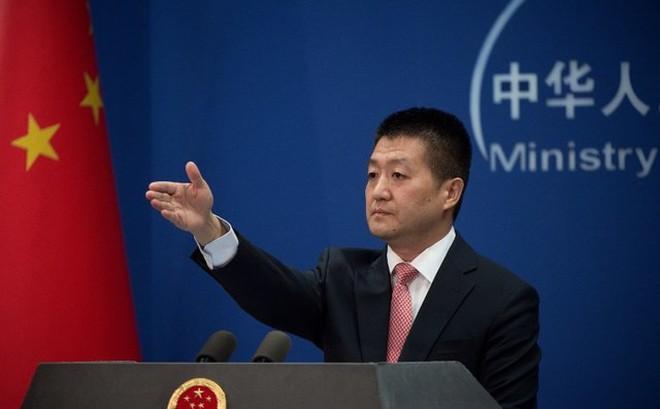 """Sau thông cáo bị """"xóa vội"""", TQ ra tuyên bố mới về vụ tàu Philippines bị đâm chìm: Lược bỏ chi tiết """"quan trọng""""?"""