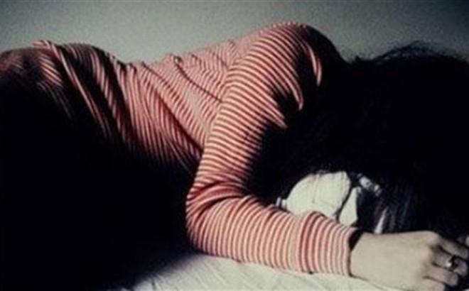 Bé gái 15 tuổi bị thanh niên dụ dỗ nhiều lần làm chuyện người lớn dẫn tới có thai