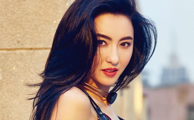 Trương Bá Chi tiếp tục bị chỉ trích vì lười biếng và ở bẩn sau scandal nói dối