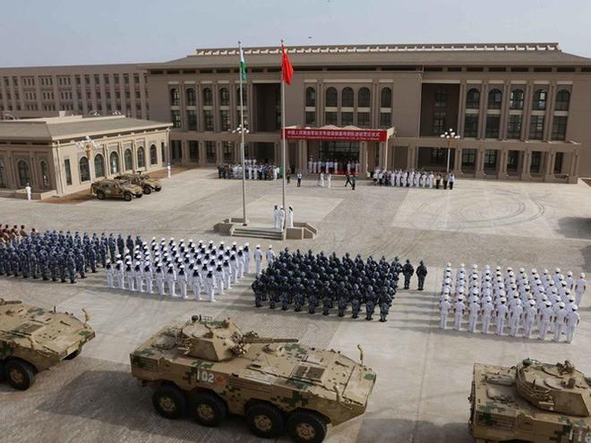 Mỹ và Trung Quốc đấu khẩu nhau xung quanh căn cứ Trung Quốc ở Djibouti chiếu tia laser vào máy bay Mỹ - Ảnh 1.