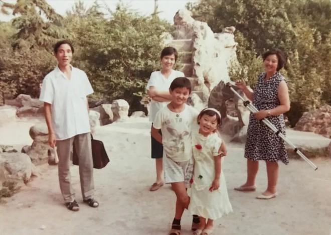 Mòn mỏi tìm con suốt 16 năm mà không thành công, bà mẹ 60 tuổi phẫu thuật thẩm mỹ cho trẻ lại để con dễ nhận ra mình - Ảnh 4.