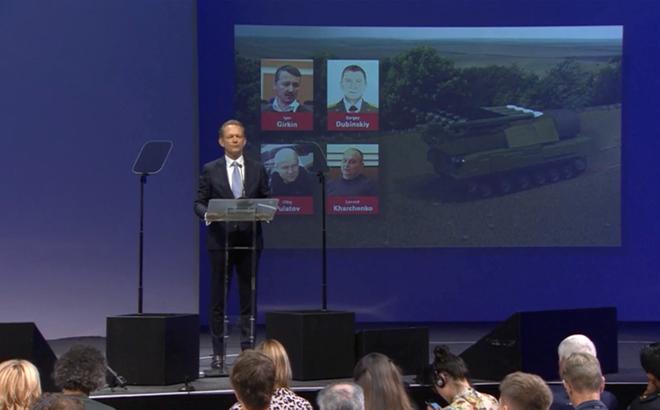 Phản ứng bất ngờ của nghi phạm Nga sau khi bị cáo buộc giết người và bắn hạ máy bay MH17
