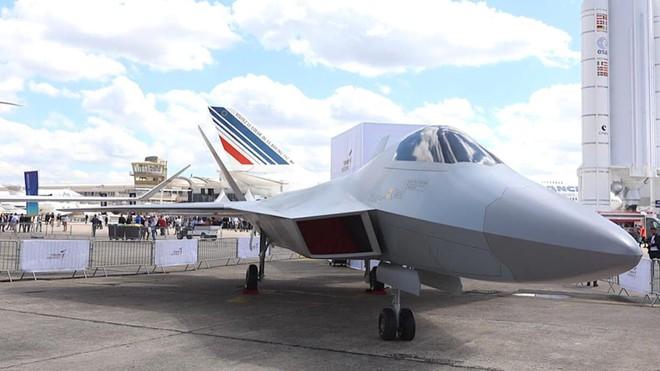 Bóc phốt máy bay tàng hình TF-X của Thổ Nhĩ Kỳ: Giật mình với gỗ dán và băng dính! - Ảnh 1.